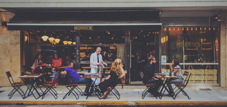 Valuing restaurant intellectual property for sale or franchise